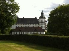 Grosses Gemäuer, quadratischer Innenhof..