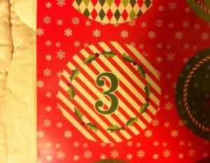 grüne Drei auf Weihnachtsmuster