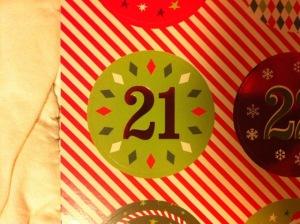 21 .. tritt ein las Erinnerung mit Harfenmusik an die Weihnacht herein.